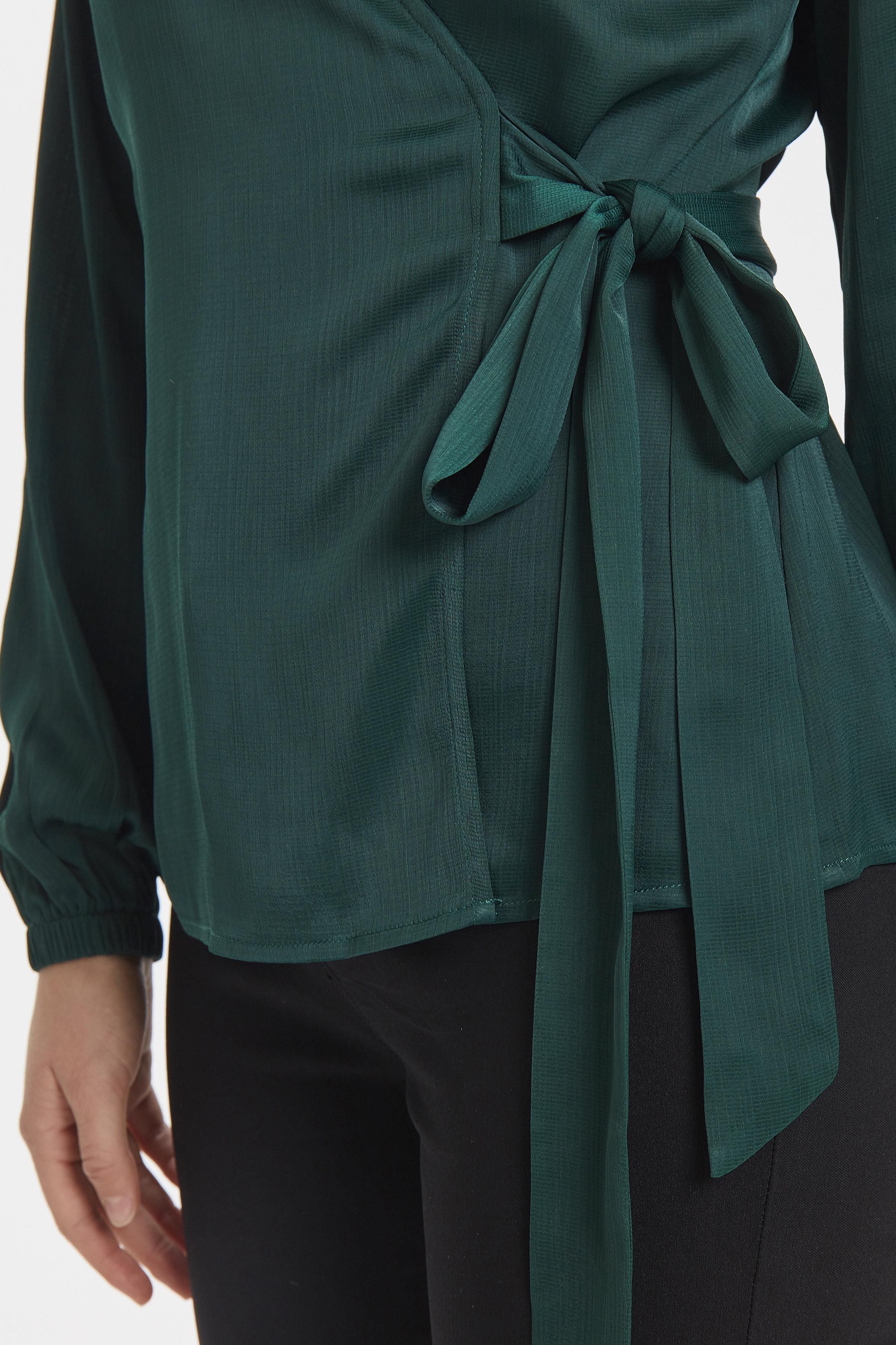 Majestic Green Långärmad blus från b.young – Köp Majestic Green Långärmad blus från storlek 34-42 här