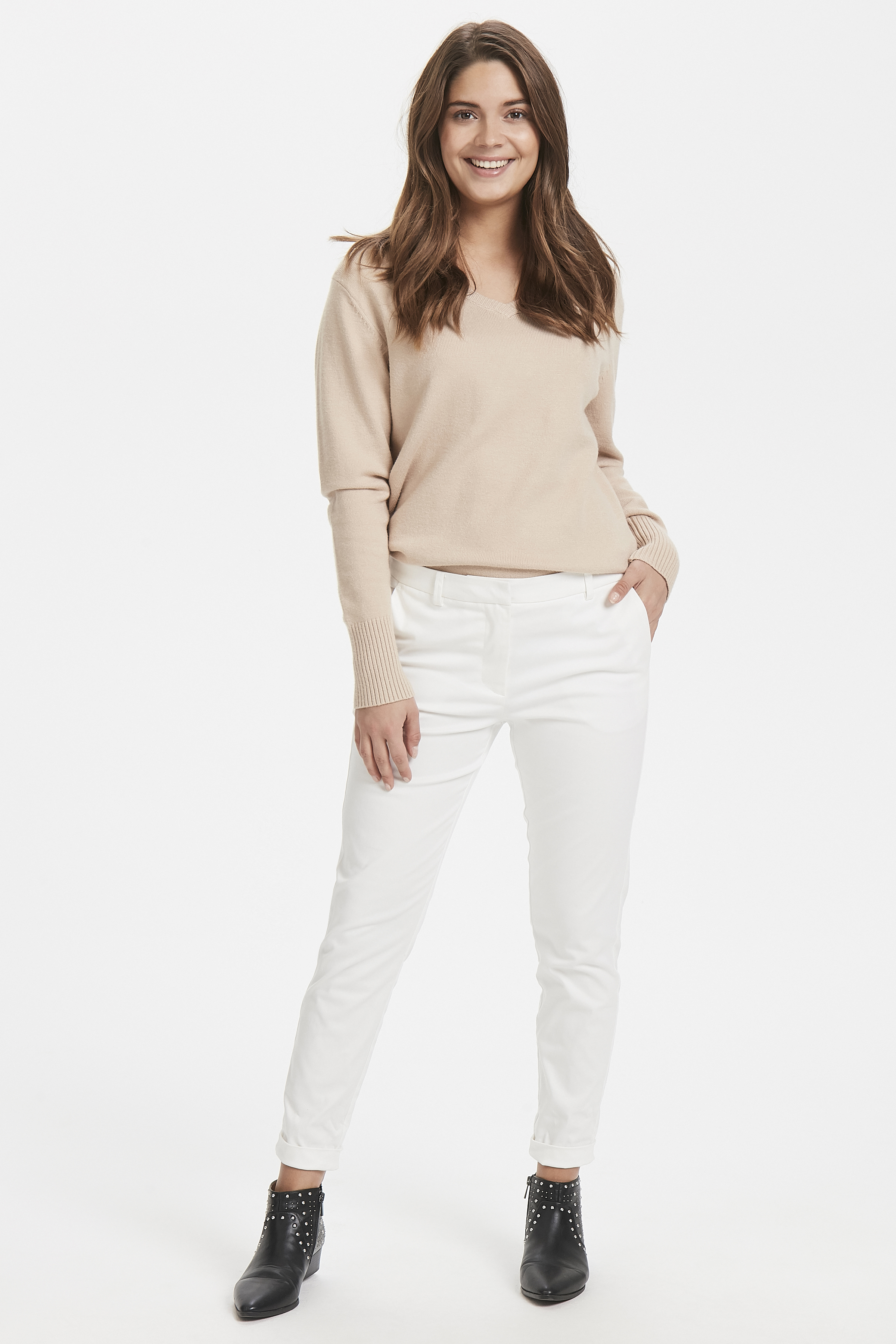 Off White Pants Suiting von b.young – Kaufen Sie Off White Pants Suiting aus Größe 34-46 hier