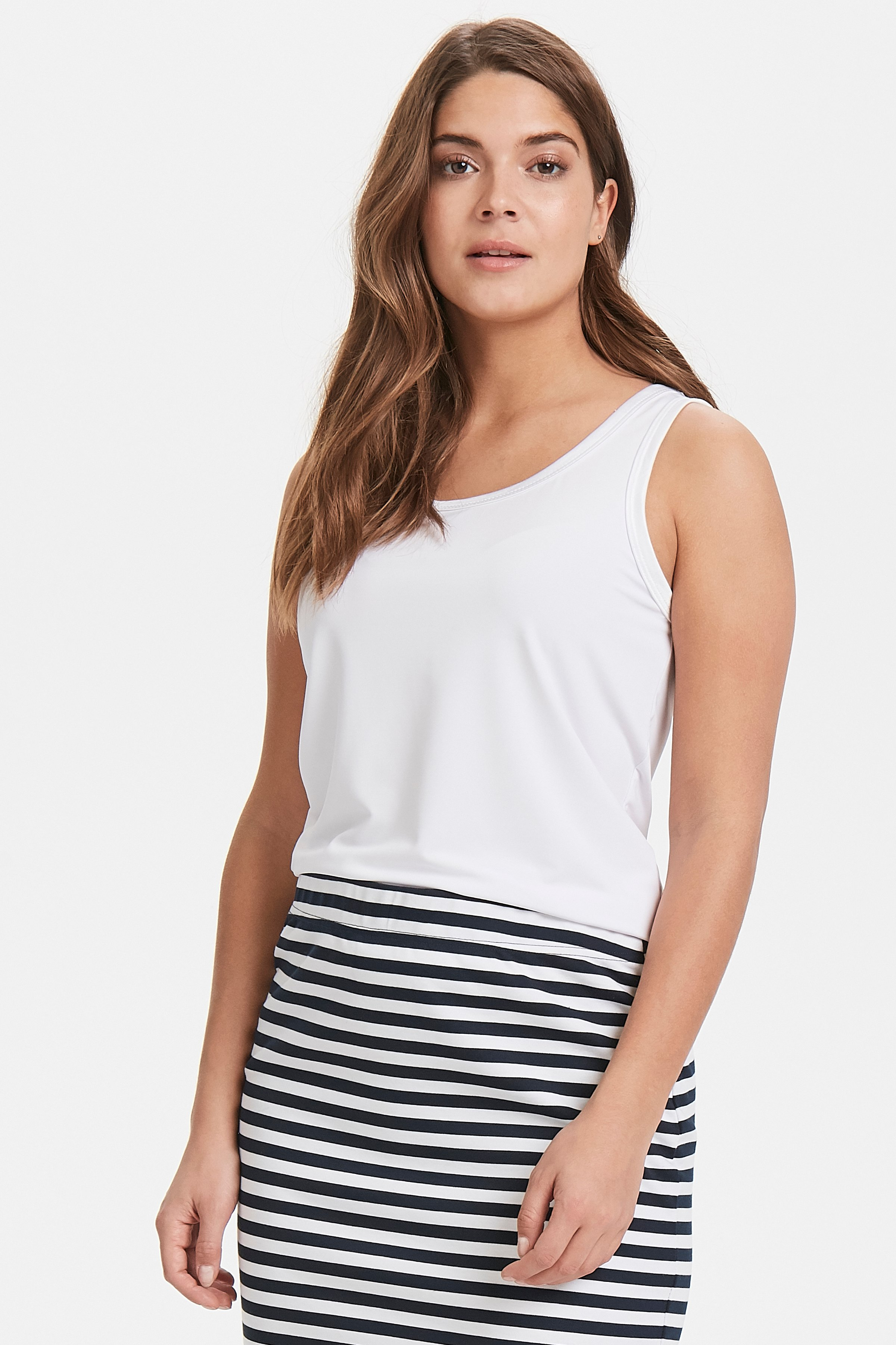 Optical White Jerseytop fra b.young – Køb Optical White Jerseytop fra str. XS-XXL her