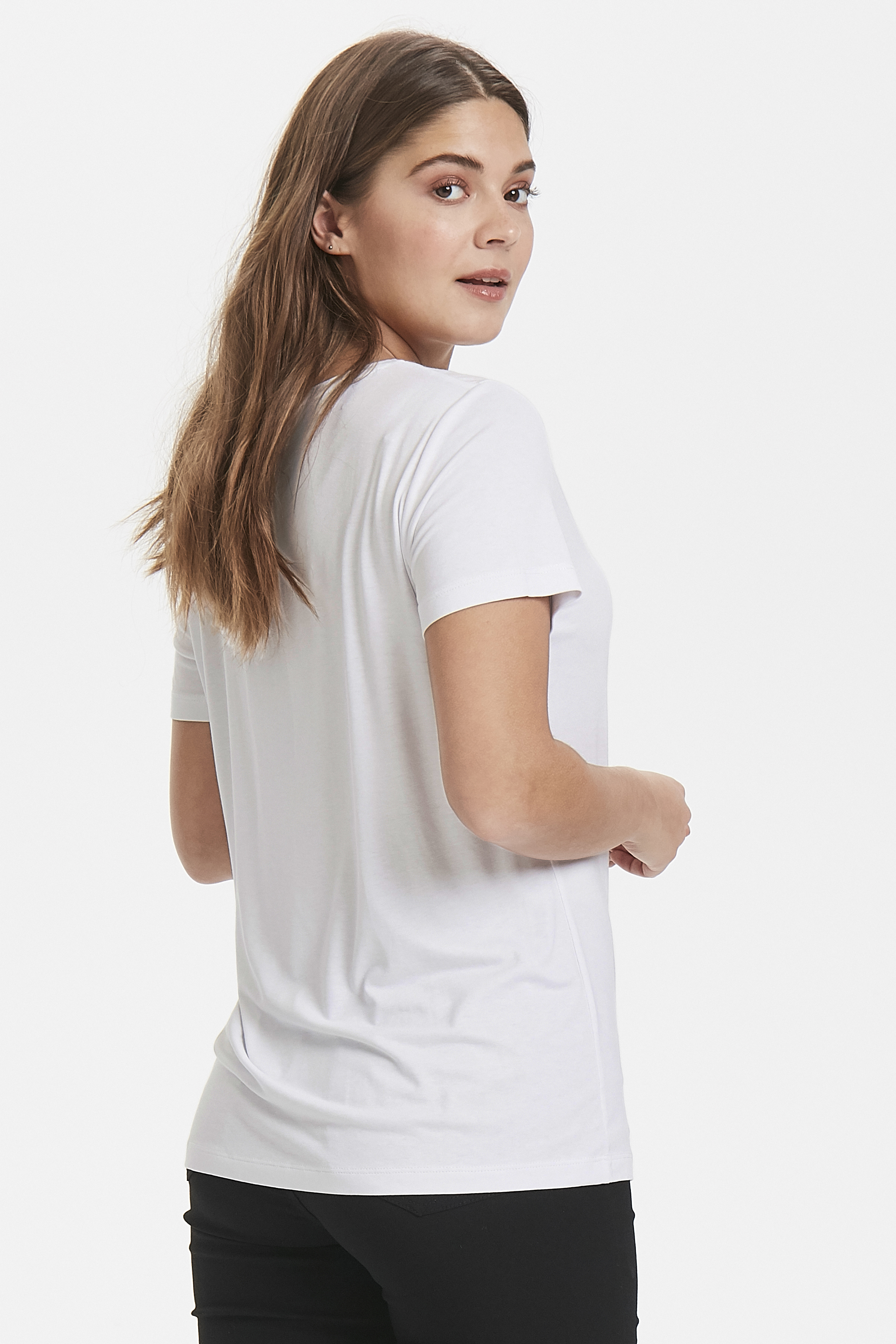 Optical White T-shirt från b.young – Köp Optical White T-shirt från storlek XS-XL här