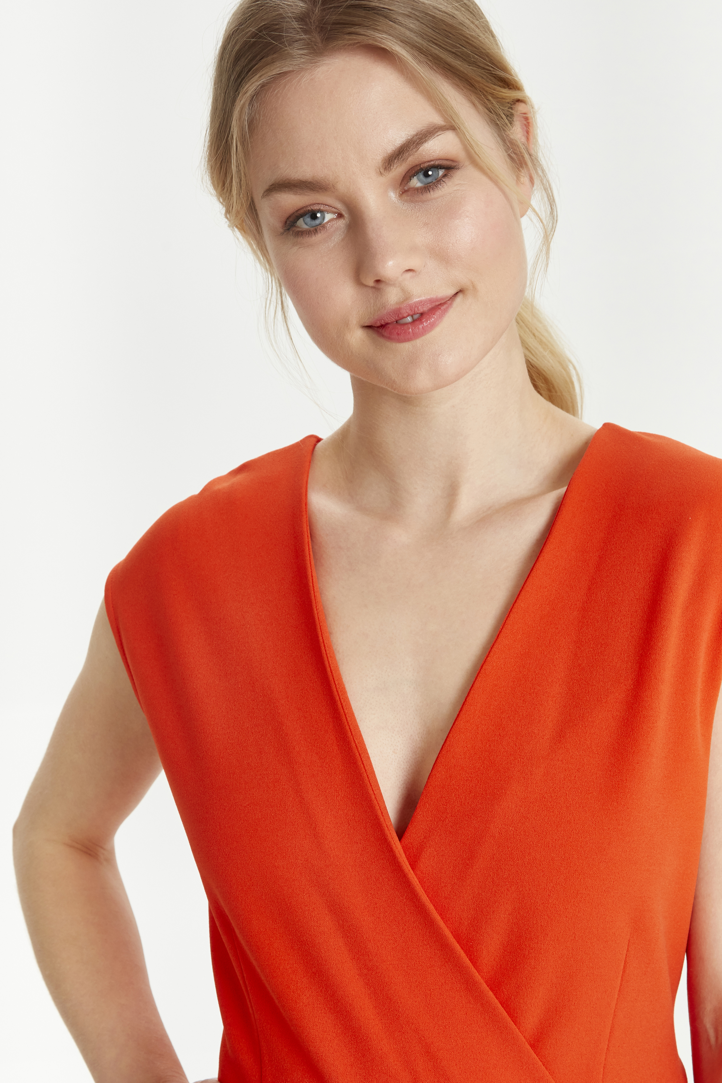 Spicy Red Jumpsuit fra b.young – Køb Spicy Red Jumpsuit fra str. XS-XL her