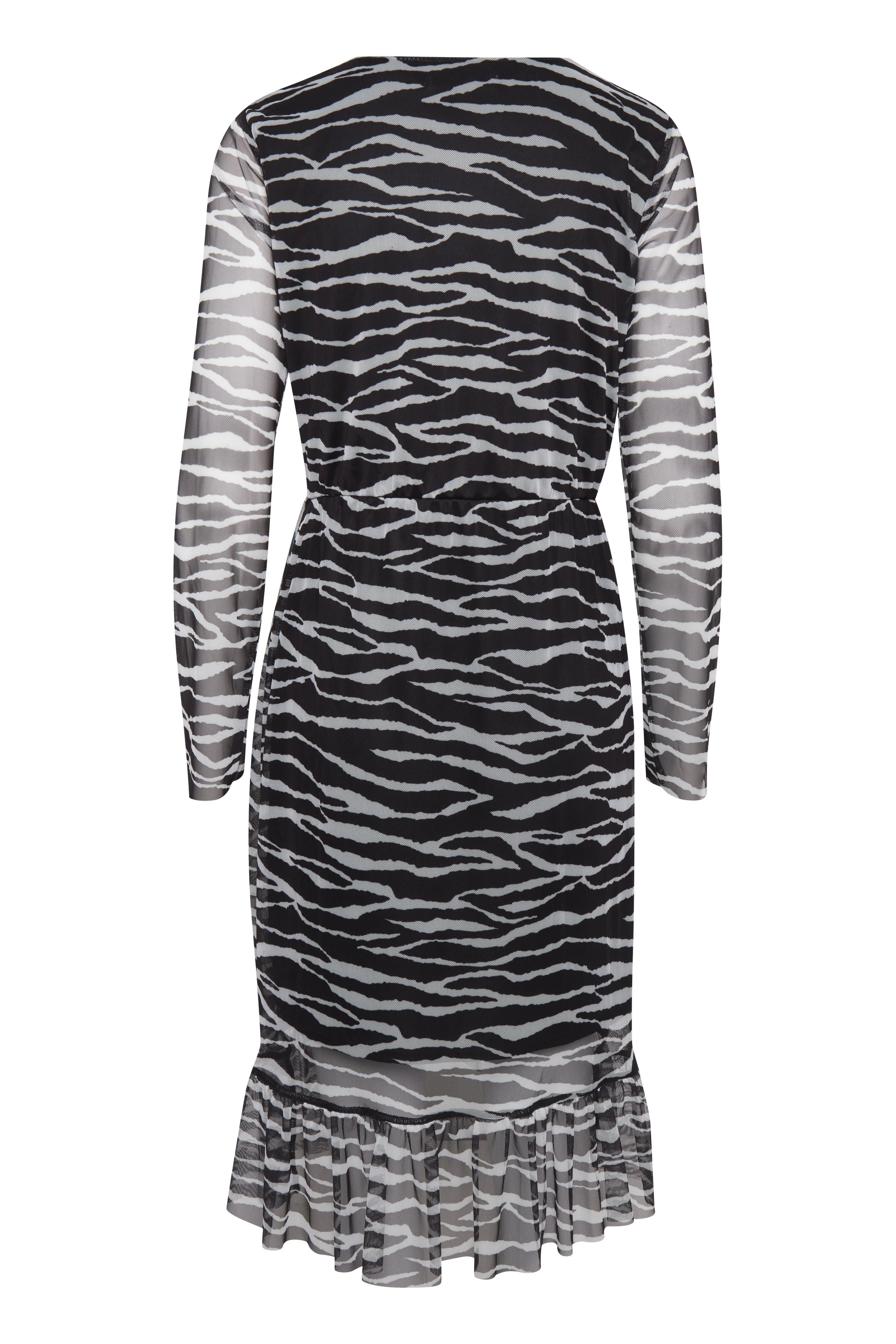 Zebra combi 1 Jerseyklänning från b.young – Köp Zebra combi 1 Jerseyklänning från storlek XS-XL här